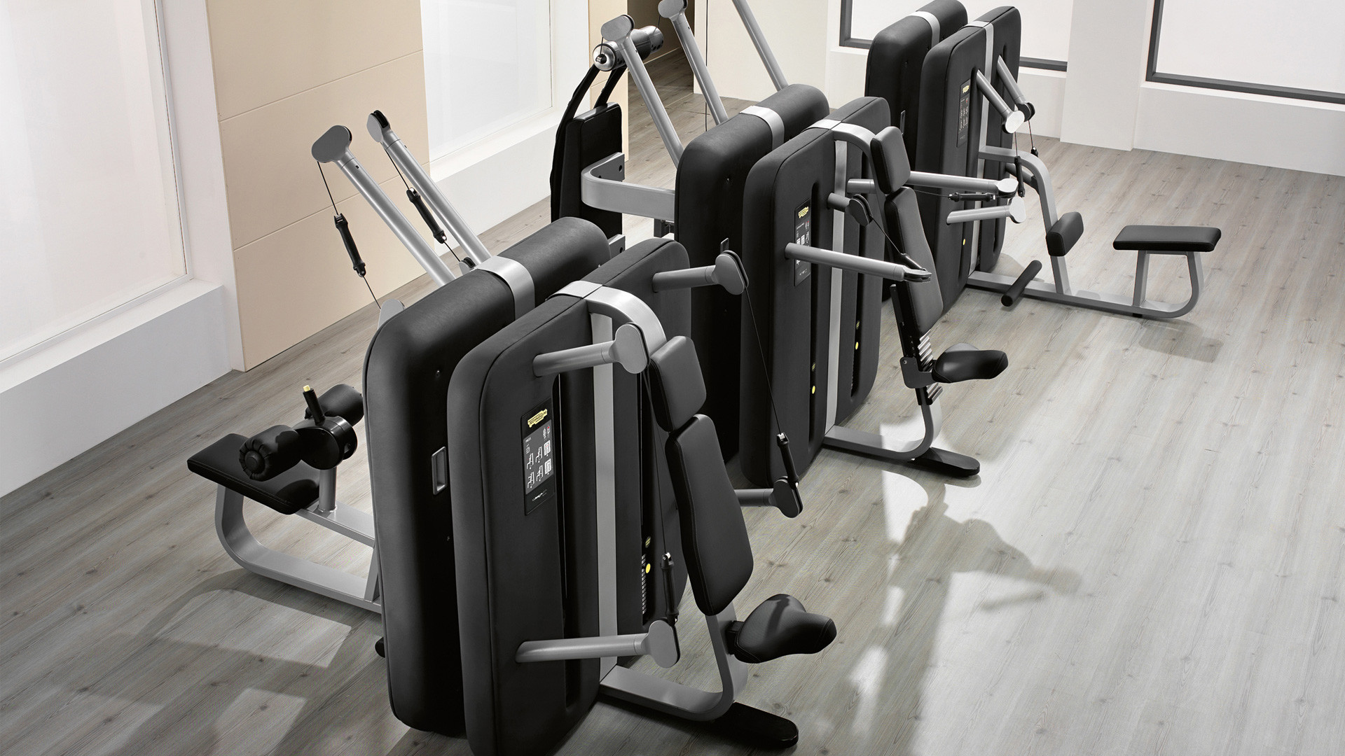 Kinesis low pull stretching equipment technogym for Technogym all in one