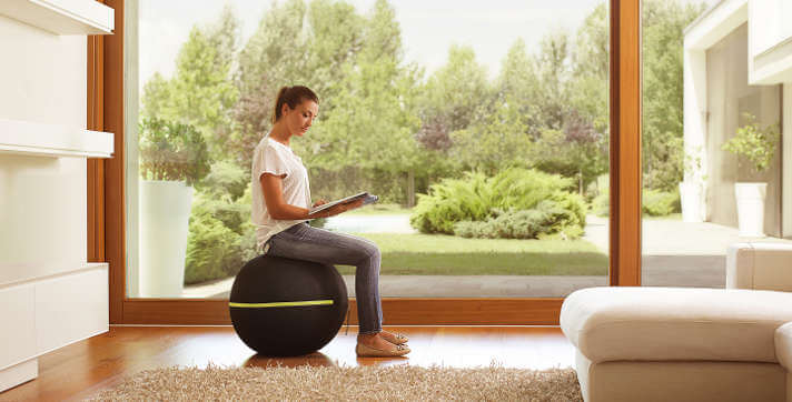 wellness ball active sitting in casa