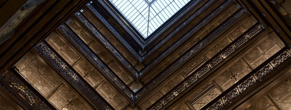 Credits The Beekman - http://www.thompsonhotels.com/hotels/nyc/the-beekman