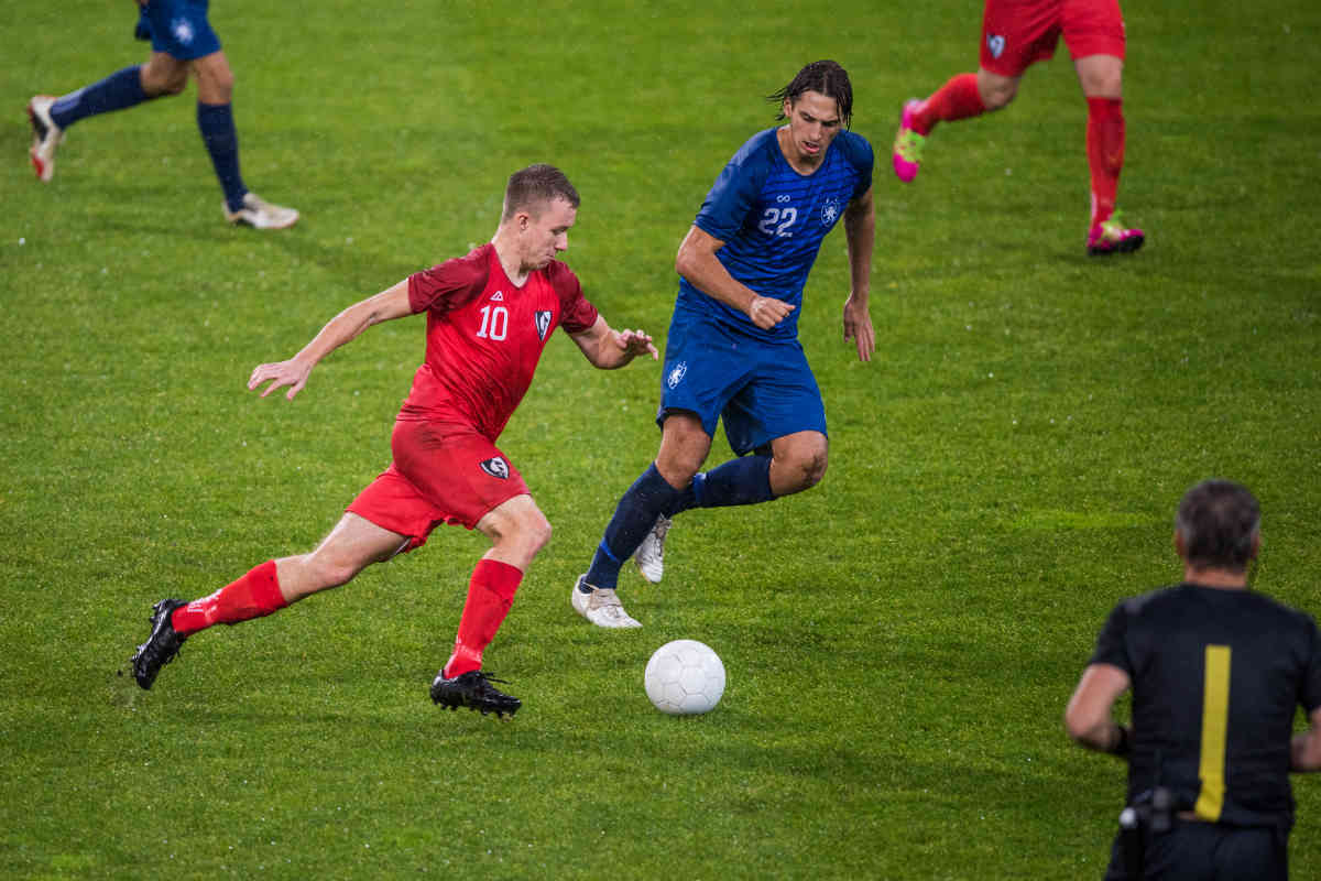 Running is even more complex in football, where the rythym is not constant and the ball complicates the matter even further