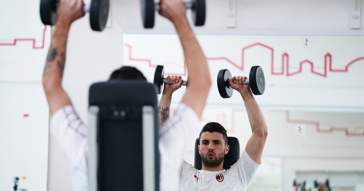 Patrick Cutrone trains with Technogym